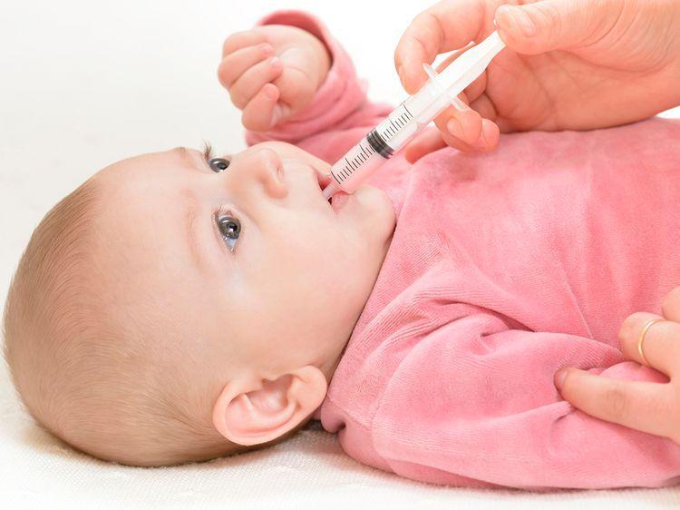 Как дать лекарство малышу
