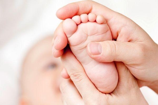 Косолапость у младенца